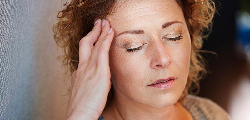 femme migraineuse