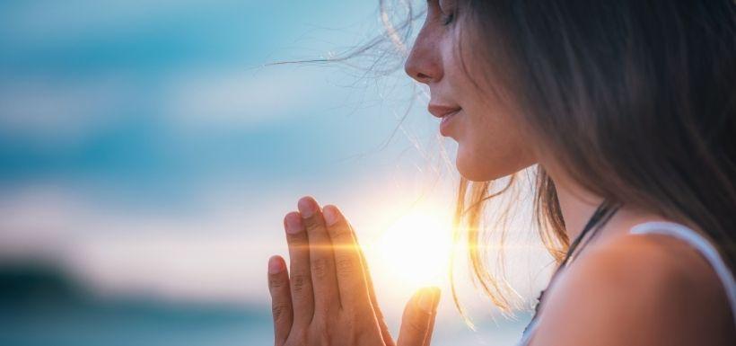 Migraine et méditation : vers un soulagement non médicamenteux